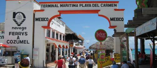 Tourists at Ferry Terminal in Quintana Roo, Mexico. - [Image credit – TampAGS, Wikimedia Commons]