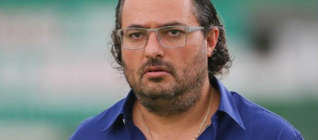 Diretor de futebol Alexandre Mattos acertou venda de jogador a equipe japonesa.