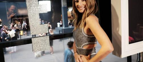 host quits job at E! (Image via Catt Sadler/newsweek.com)