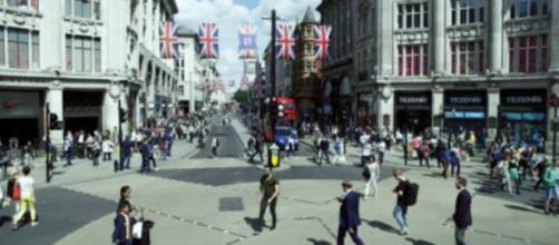 Los dos países europeos buscan dar la bienvenida a las empresas afectadas por el voto de Gran Bretaña para abandonar la UE