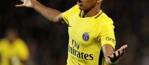 Metz 1-5 PSG: Kylian Mbappe grabs debut goal   Daily Mail Online - dailymail.co.uk