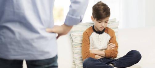 No se debe inculcar responsabilidades de adultos a los niños.