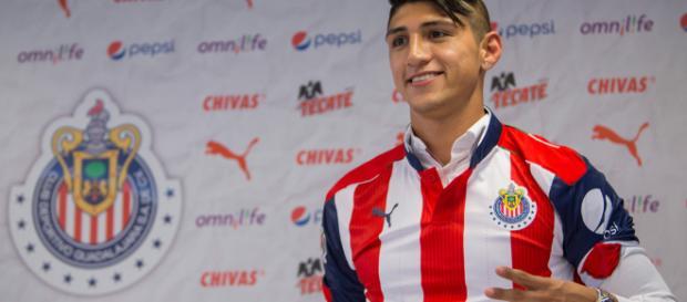 Alan Pulido cumple sueño al convertirse en jugador del 'Rebaño ... - amqueretaro.com