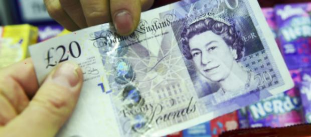 El índice de referencia FTSE 100 de Londres cerró muy por encima de un 3% y por encima de su nivel de cierre del 23 de junio
