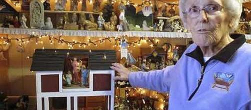 87-year-old Vermont woman displays 1,1400 nativity scenes [Image via News Pulse/YouTube screenshot]