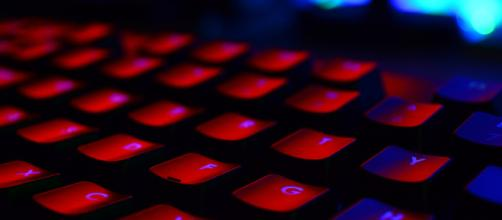 Backlit gaming keyboard. - [Image via PixaBay]