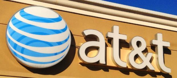 AT&T [Img via Flickr | Mike Mozart]