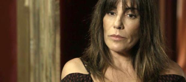 Com intuito de livrar Clara da prisão, Duda conta podre de Sophia