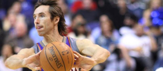 Steve Nash is eligible to be inducted into the Basketball Hall of Fame for the first time in 2018. [Image Source: Flickr | Keith Allison]