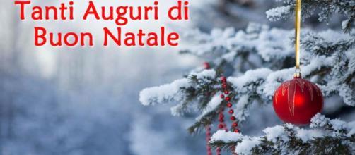 Sms Di Buon Natale.Auguri Di Buon Natale 2017 Frasi D Amore Sms Whatsapp E Status Facebook