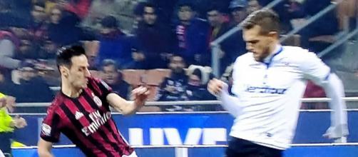 Milan-Atalanta: un contrasto tra Kalinc ed un avversario