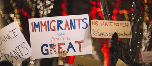População se manifesta a favor de imigrantes nos EUA