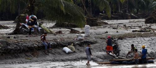 Tempestade natural Tembin deixa mais de 130 mortos no sul das Filipinas.