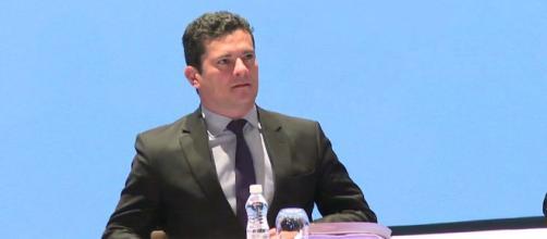 Juiz Sérgio Moro está preocupadíssimo com a inércia do Executivo e do Legislativo.