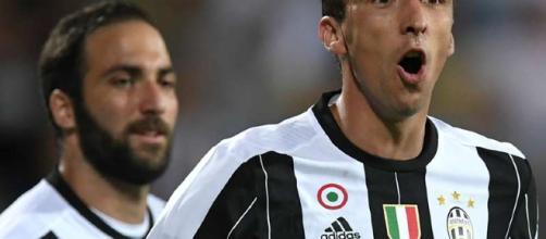Mandzukic-Higuain vs Callejon-Mertens-Insigne: Juventus e Napoli ... - goal.com
