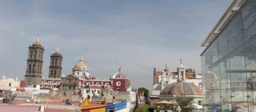 La famosa vista desde la terraza del Museo Amparo en Puebla.