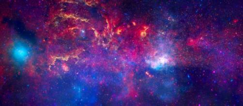 Una nube de alcohol estelar más grande que nuestro sistema - hipertextual.com