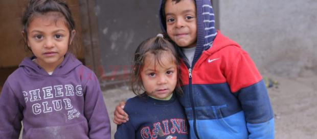 Decembrie, luna când copiii îşi văd acasă părinţii | GAZETA de SUD - gds.ro