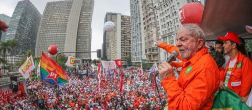 Lula em discurso público advertiu que PT não aceitará sua condenação