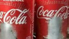 Dono de lanchonete raspa artistas em latinhas da Coca: 'Não acrescentam'