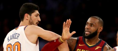 Enes Kanter vs LeBron James por Twitter
