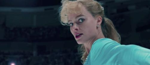 Margot Robbie plays disgraced figure skater Tonya Harding in I ... - digitalspy.com