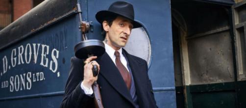 Peaky Blinders : ce sera la guerre entre la Mafia et les Shelby ... - premiere.fr