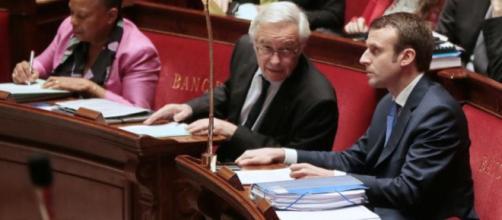 Taubira avale son chapeau sous l'œil de Macron - Libération - liberation.fr