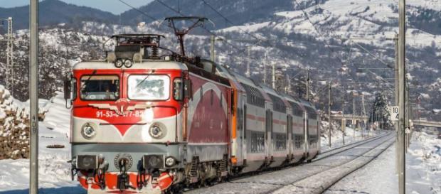 """Compania feroviară CFR S.A. a fost dată în judecată de către o femeie din Hundedoara, după ce a rămas fără o mână într-o gară CFR neautorizată!"""""""