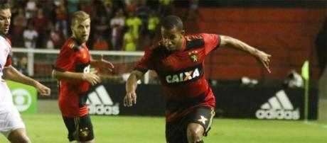 Patrick, volante do Sport, deve defender o Fluminense em 2018. (Foto Reprodução).