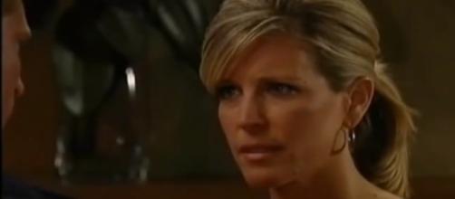 """Carly manipulates """"JaSam."""" (Image via Ashey Cramni/YouTube screencap)."""