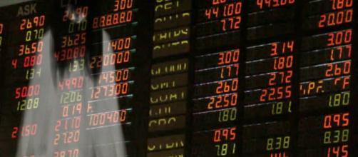 El 24 de agosto de 2015 fue sangriento. El mercado local de acciones tuvo su tercera caída más grande de un día en la última década