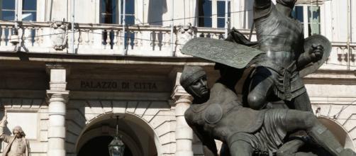 Paola Pisano e gli incontri con i cittadini in Comune - torinotoday.it