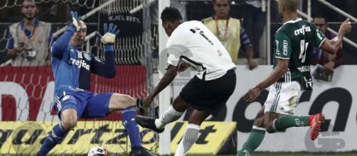 Um dos jogos mais emblemáticos do ano ocorreu no Campeonato Paulista.