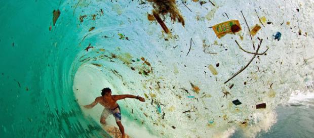 Aumenta contaminación del agua en Bali.