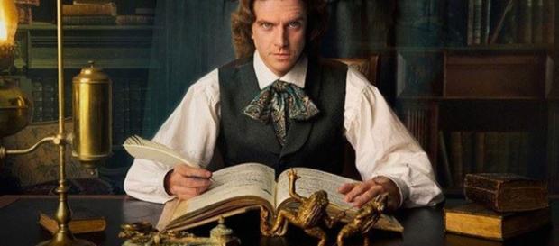 L'attore Dan Stevens nei panni dello scrittore Charles Dickens
