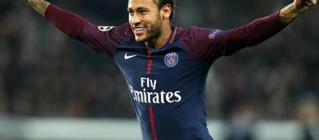 Neymar celebrando tras una conquista