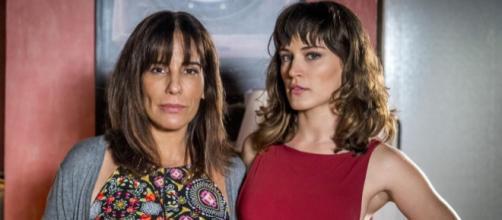 Clara pressiona Duda e descobre segredo. (Foto: Divulgação/TV Globo)
