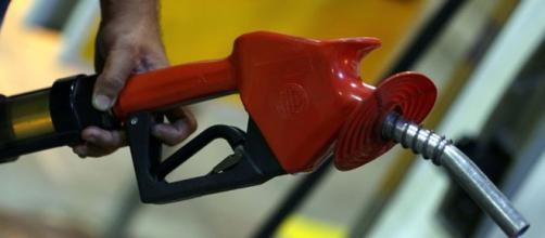Gasolina sobe 116 vezes em seis meses