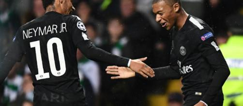 Neymar y Mbappé celebrando un gol