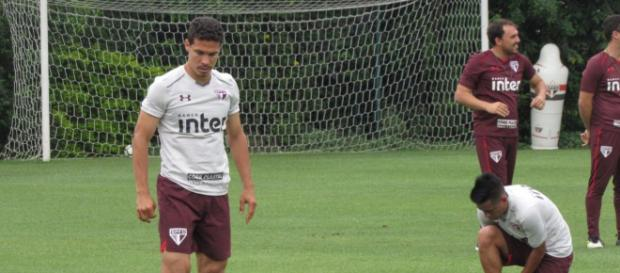Hernanes quer ficar no São Paulo