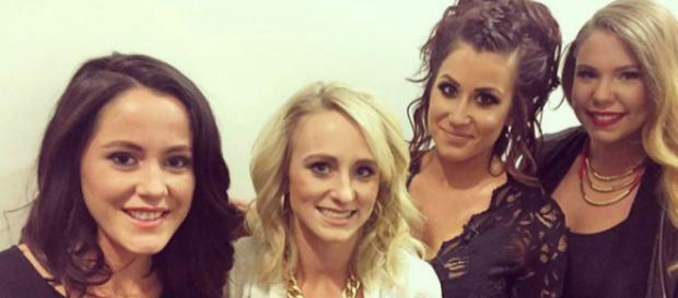 The cast of 'Teen Mom 2' poses for a photo. [Photo via Facebook]