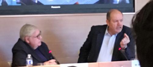 Conferencia de Mark Thompson, entrevistado por el periodista Victor de la Serna en Unidad Editorial