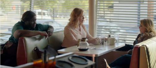 'Good Girls' stars Whitman, Retta & Hendricks in a scene from the upcoming drama.- [Photo via 'Good Girls' official YouTube page].