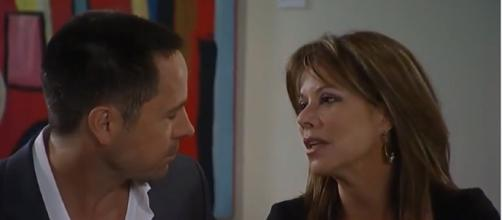 Julexis fans may have to wait for a reunion. - [Image via Kathryn Allyssa YouTube screencap]