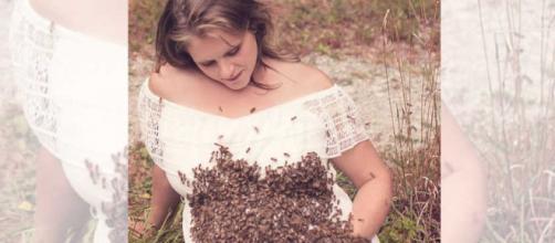 Mulher faz ensaio com 20 mil abelhas e morte ronda o parto.