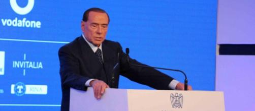 Silvio Berlusconi: la Corte di Strasburgo si esprimerà sulla sua ricandidabilità, ma il cavaliere è già in campagna elettorale