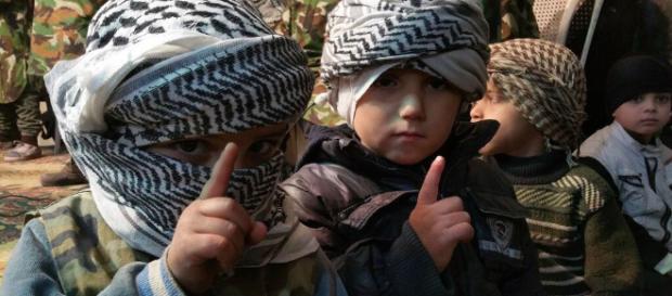 ISIS wzywa do odwetu na dzieciach w Ameryce, Europie i Australii zagrożone (fot. scrn TT, Wojciech Szewko)