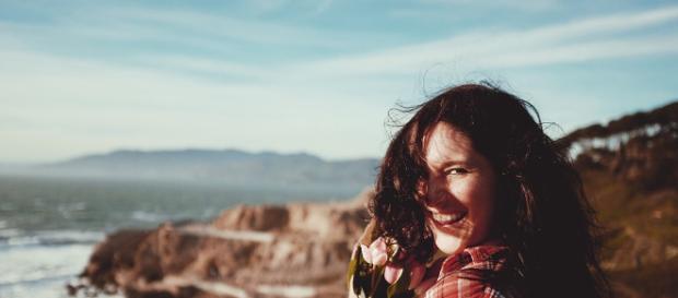 Las mujeres felices alcanzan sus sueños con facilidad