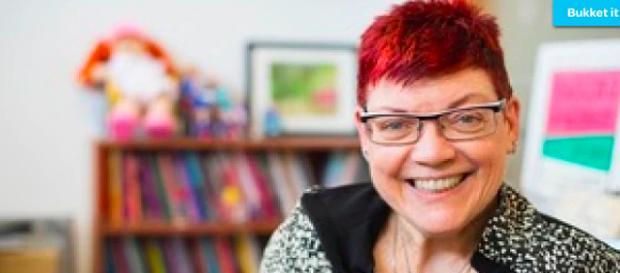 Nancy Hansen, una profesora con discapacidad, es una de las co-editoras del libro.